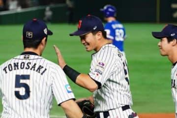 侍ジャパンは韓国代表相手に10-8で勝利【写真:荒川祐史】