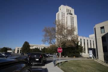 トランプ大統領が健康診断を受けた首都ワシントン近郊のウォルター・リード米軍医療センター=16日、メリーランド州ベセスダ(AP=共同)
