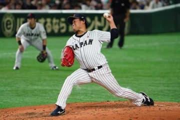 3番手で登板した侍ジャパンの巨人・田口麗斗【写真:荒川祐史】