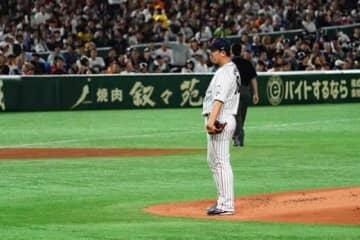 韓国戦に先発も1回3失点で降板した侍ジャパンの巨人・山口俊【写真:荒川祐史】