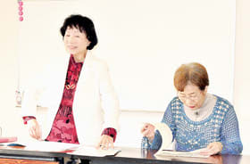 三村さんを講師にエッセーの書き方を学んだ文章教室