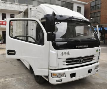 「水だけで走る車」と報道された車=5月、中国河南省南陽市(新華社=共同)