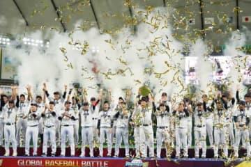 侍ジャパンが09年WBC以来10年ぶりの世界一に輝いた【写真:荒川祐史】