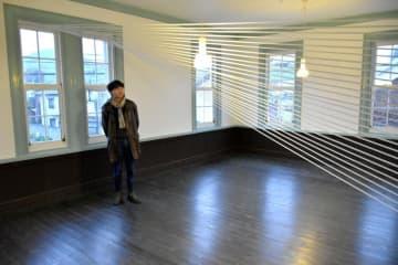 筑波大大学院生の現代美術展「景色の地層」で展示された、速水一樹さんのインスタレーション=桜川市真壁町真壁