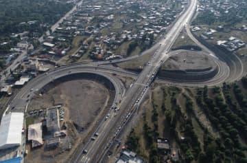 カラコルム道路第2期工事の高速道路区間開通 中国企業が建設