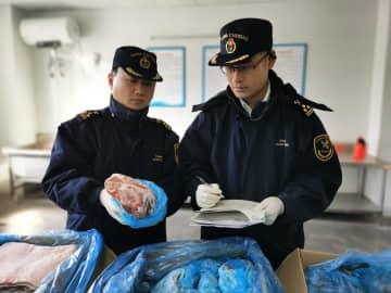 初めて輸入されたイタリア産冷凍豚肉、上海で通関