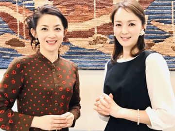 ピアニストの西村由紀江(写真左)と、河上幸恵(写真:ラジオ関西『河上幸恵のモーニングコール』)