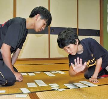平子葵さん(右)と、兄・楓さん