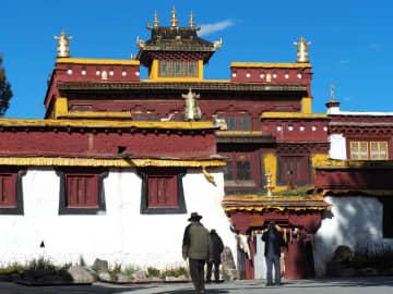 青海チベット高原の古鎮で急成長する文化・観光産業