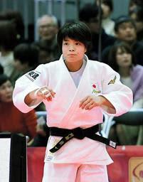女子52キロ級で決勝進出を決めた阿部詩=丸善インテックアリーナ大阪(撮影・中西幸大)
