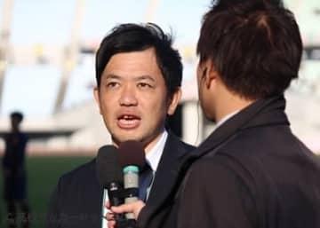 興國の内野智章監督
