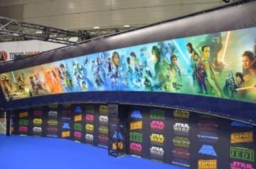 『スター・ウォーズ』特大絵巻、迫力がスゴイ! - TM & (c) Lucasfilm Ltd.