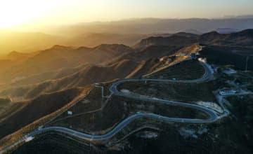 中国の旧工業基地、人気の景勝地に変身 河北省邯鄲市