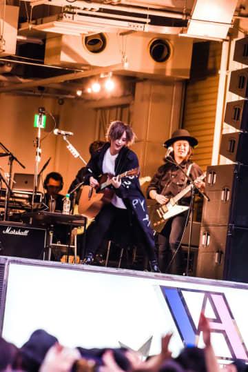 山本彩[ライブレポート]フリーライブで生んだ圧倒的熱狂「ステージからの景色が想像以上で本当に感謝しています」