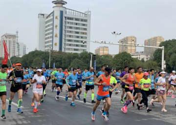 温泉も楽しめるマラソン大会開催 湖北省咸寧市