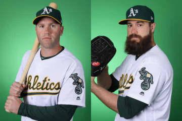 アスレチックスと再契約したエリック・キャンベル(左)とブライアン・シュリッター【写真:Getty Images】