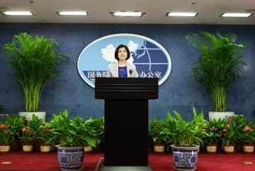 国台弁の新任報道官が記者会見に臨む 2人目の女性報道官