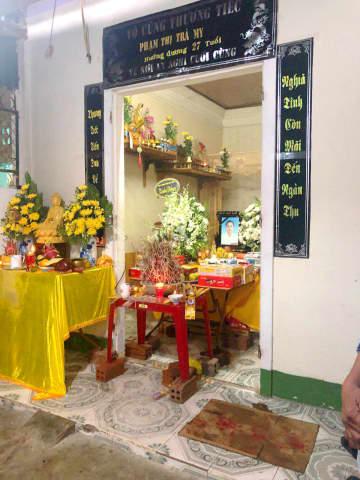 ファム・ティ・チャ・ミーさんの実家に設けられた祭壇=27日、ベトナム中部ハティン省ゲン(共同)