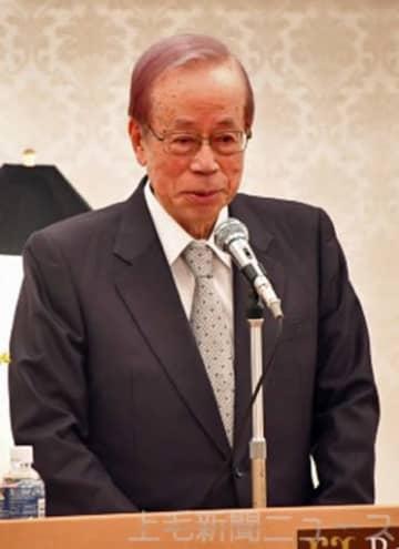 「日本の進むべき道」について講演する福田元首相
