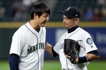2010年代のマリナーズを支えた岩隈久志とイチロー氏(左から)【写真:Getty Images】