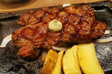 『いきなりステーキ』と『ステーキガスト』どちらがお得? 安価な2品で比較 ステーキガストといきなりス... 画像