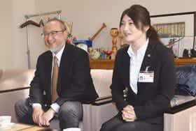 12月から保健師としてベナンに派遣される桶屋さん(右)