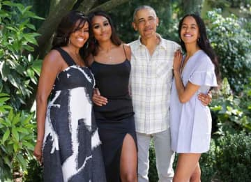 Michelle & Barack Obama Share Wholesome Thanksgiving Family Photos
