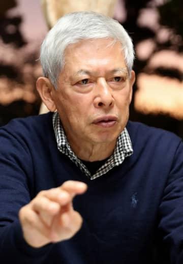 「教皇が被爆者を励ましてくれた」と語る川野さん=西彼長与町高田郷の自宅