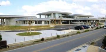 2016年度に着工した宮古島市未来創造センター=29日、宮古島市平良東仲宗根