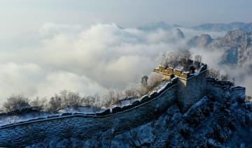 北京箭扣長城がうっすら雪化粧