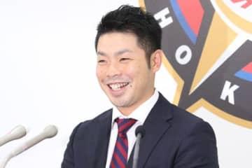 契約更改に臨んだ日本ハム・近藤健介【写真:石川加奈子】