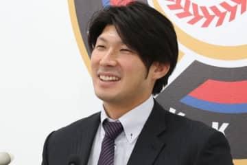契約更改に臨んだ日本ハム・大田泰示【写真:石川加奈子】