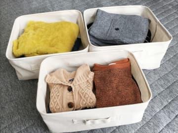 一度着ただけで洗うまでいかない冬服、どうしていますか? 引き出しに収納するわけにはいかないし、出しっ放しにするわけにも……。