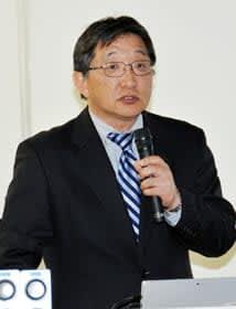 「定期的に通院している人でも検診の意味も込めて、胸部写真や腹部エコーの検査も必要」などと強調する赤坂副院長