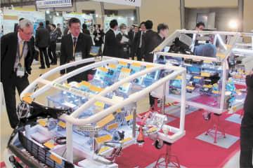 今年2月の商談会で展示されたショーケースカー=愛知県刈谷市
