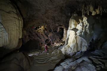 多国籍探検隊、広西チワン族自治区東蘭県で大型の天坑を発見