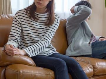 夫たちは、妻に対して「特に不満はない」が約45%なのに対し、妻の約80%は夫に不満があるというのだ。