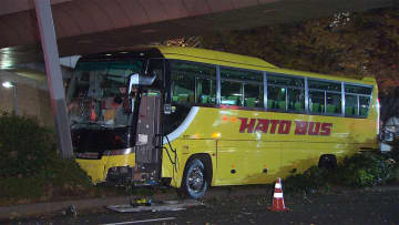 【独自】運転手直撃「意識飛んでた」 はとバス突っ込み1人死亡