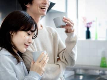 女優の壇蜜さん(39歳)が結婚を発表した。相手は漫画家の清野とおるさん(39歳)。今結婚では「お互いに自然体で活躍できること」「女性が癒やされること」が大きなポイントになっているようである。