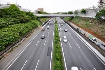 東名高速道路(参考写真)