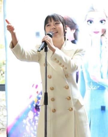 「アナ雪」弾む歌声 エンド曲の中元さん、広島知事訪問