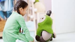 GROOVE Xの家族型ロボット「LOVOT」、9園の保育園やこども園で導入