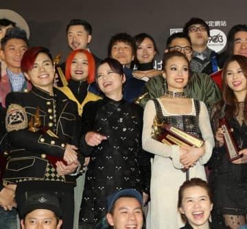 抗議デモ半年の影響で、香港ラジオ局の音楽アワードがすべて中止、人気投票は続行