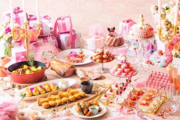 ピンクのスイーツが可愛い。マリー・アントワネットがテーマのイベント、名古屋で開催!