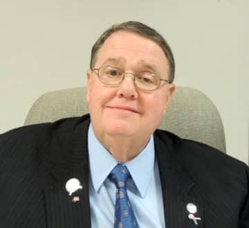 Longtime South Jersey mayor dies after illness