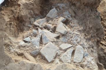 秦咸陽城遺跡で石製よろい工房遺構を発見 陝西省