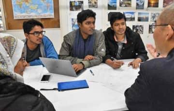 災害への備えなどについて意見交換するIT技術者ら