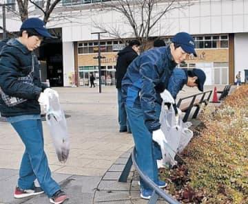 年末年始へ3駅清掃 JR西社員 少年団、OBも協力