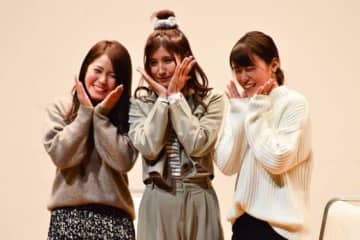 「Talk show with 6 players」に参加した磯崎由加里、加藤優、谷山莉奈(左から)【写真:編集部】