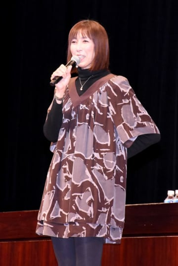 講演で夢を持つ大切さなどを話した大林素子さん=鳥栖市民文化会館